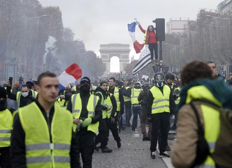 프랑스, 노란 조끼 시위 운동 확산