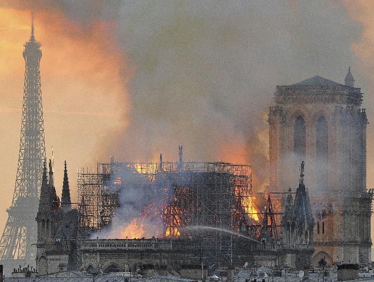 프랑스, 노트르담 대성당 화재