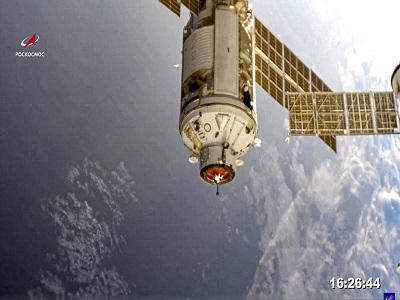 러시아 우주 실험실, 도킹 성공했으나 엔진 오작동