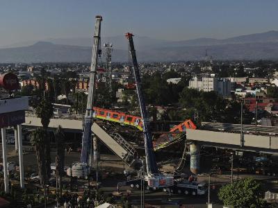 멕시코 시티, 고가 철도 붕괴 참사 발생