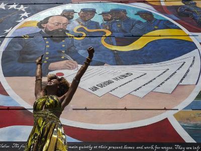 바이든 대통령, '준틴스' 공휴일 지정 법안에 서명